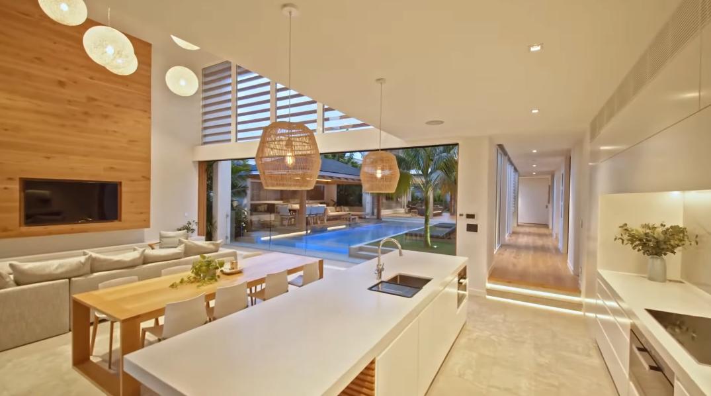 36 Interior Design Photos vs. 25 Lorikeet Dr, Peregian Beach, QLD Luxury Home Tour