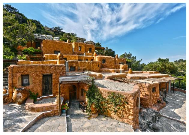 Παραδοσιακός πετρόκτιστος Οικισμός στην Κρήτη