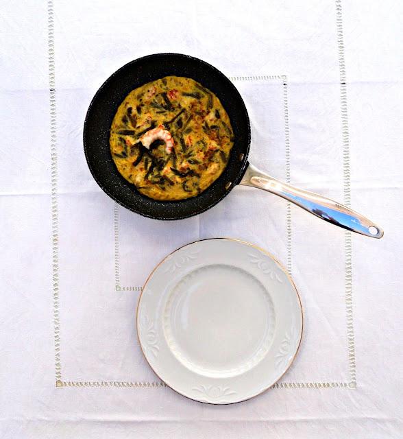 tortilla-esparragos-langostinos-presentacion