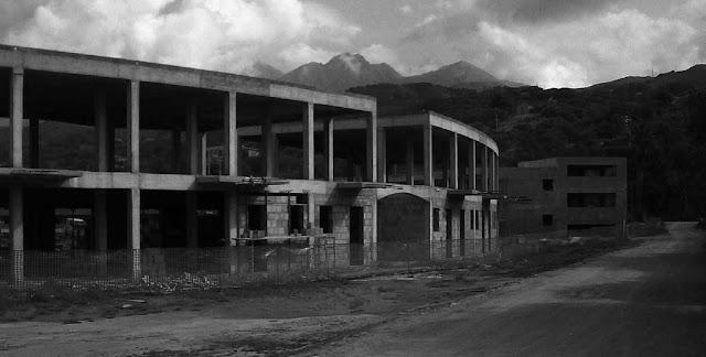 ecomostro-abuso edilizio-ediliza