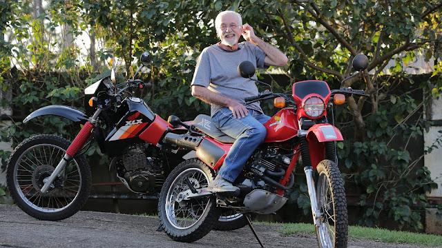 Josias Silveira que, entre outras viagens incríveis, fez Manaus - SP com uma XL250R igualzinha a do acervo do  Motos Clássicas 80
