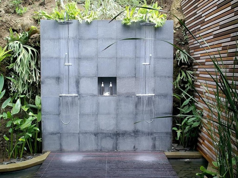 concrete-wall-double-outdoor-shower-designs
