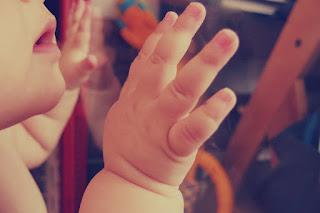 Manfaat-Inisiasi-menyusu-dini-bagi-bayi-ibu