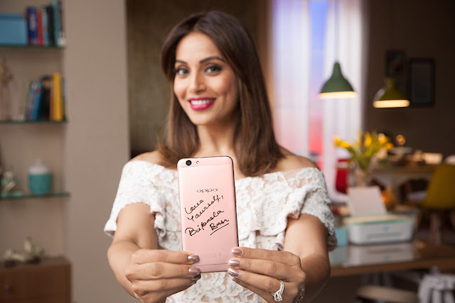 Bipasha basu marriage, Age, Hot, movies, Photo, biography, Wedding, bikini, songs, bf, Boyfriend, family, Profile