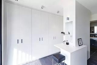 custom-made dressing room