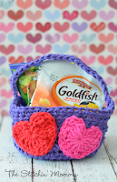 https://www.thestitchinmommy.com/2014/02/easy-crochet-valentines-day-basket.html