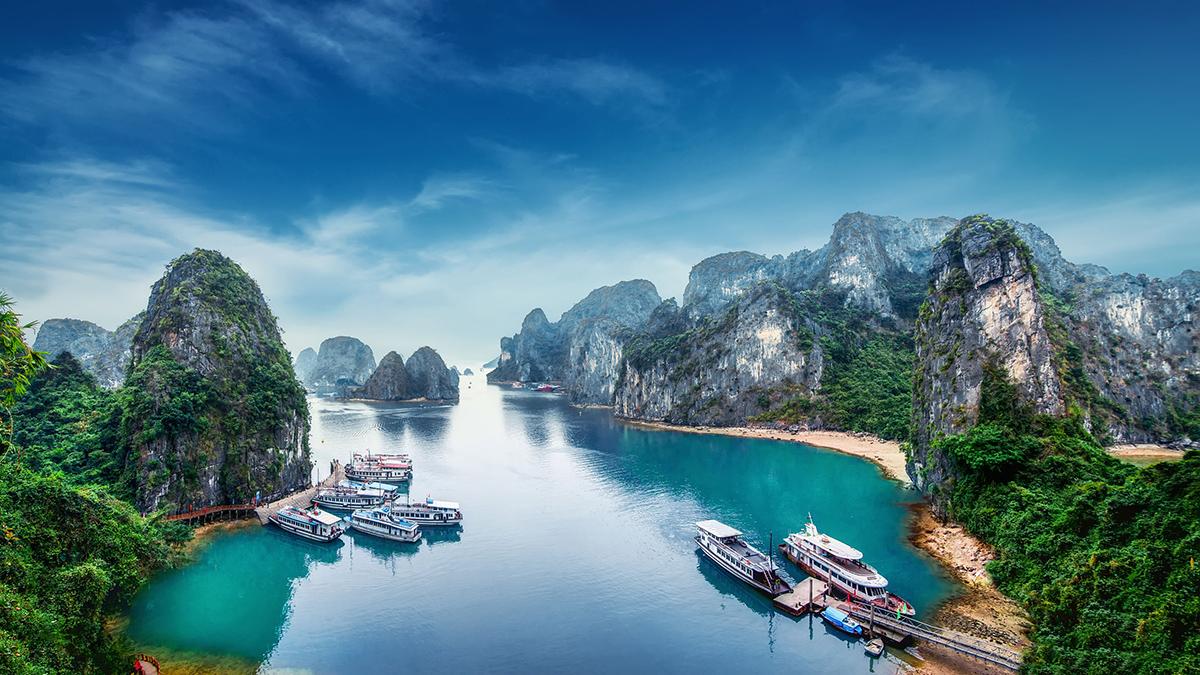 Экскурсии по заливу Халонг во Вьетнаме