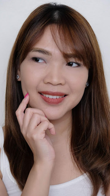 a photo of Cloud Cosmetics Minty Matte Stick Rouge Review by Nikki Tiu of www.askmewhats.com