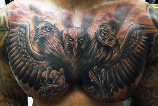 Peito cheio de Tatuagem Projeto e Ideia para os homens
