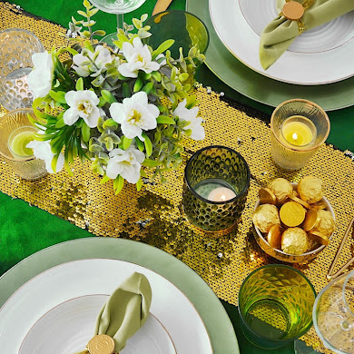 Green and Gold Saint Patrick's Day Tablescape 🍀