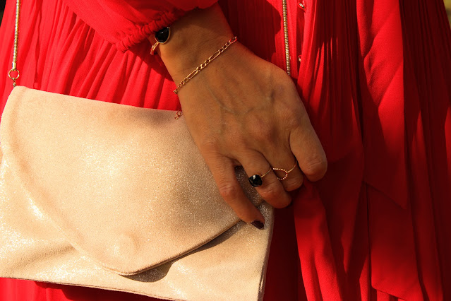 comment porter la robe rouge, inspiration mode, robe maje, les petites bulles de ma vie