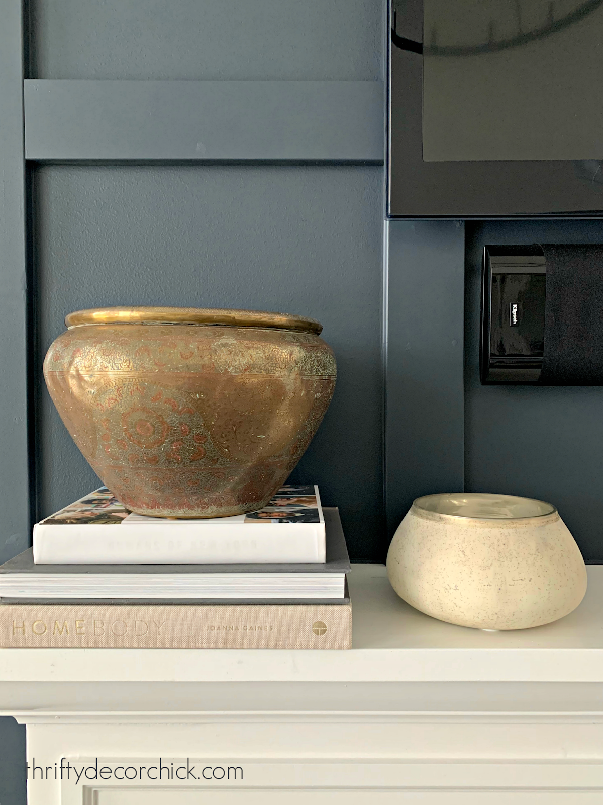 Using brass bowls in decor