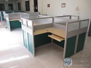 Harga Meja Sekat Kantor Bentuk X + Furniture Semarang
