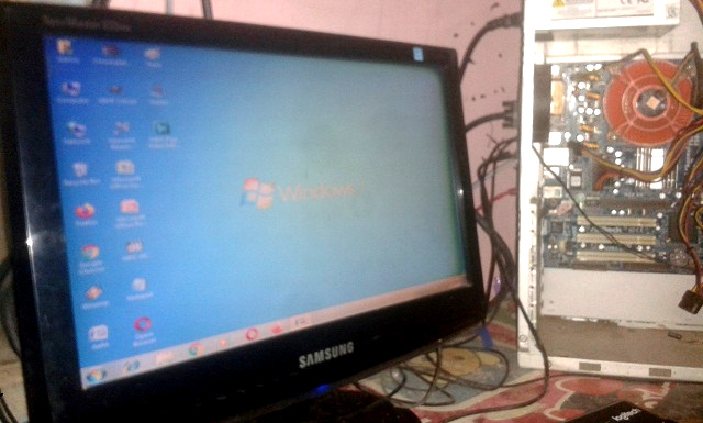 Monitor Bekas