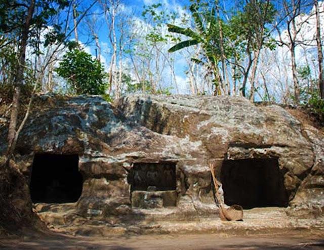 Situs Gua Sentono Yogyakarta
