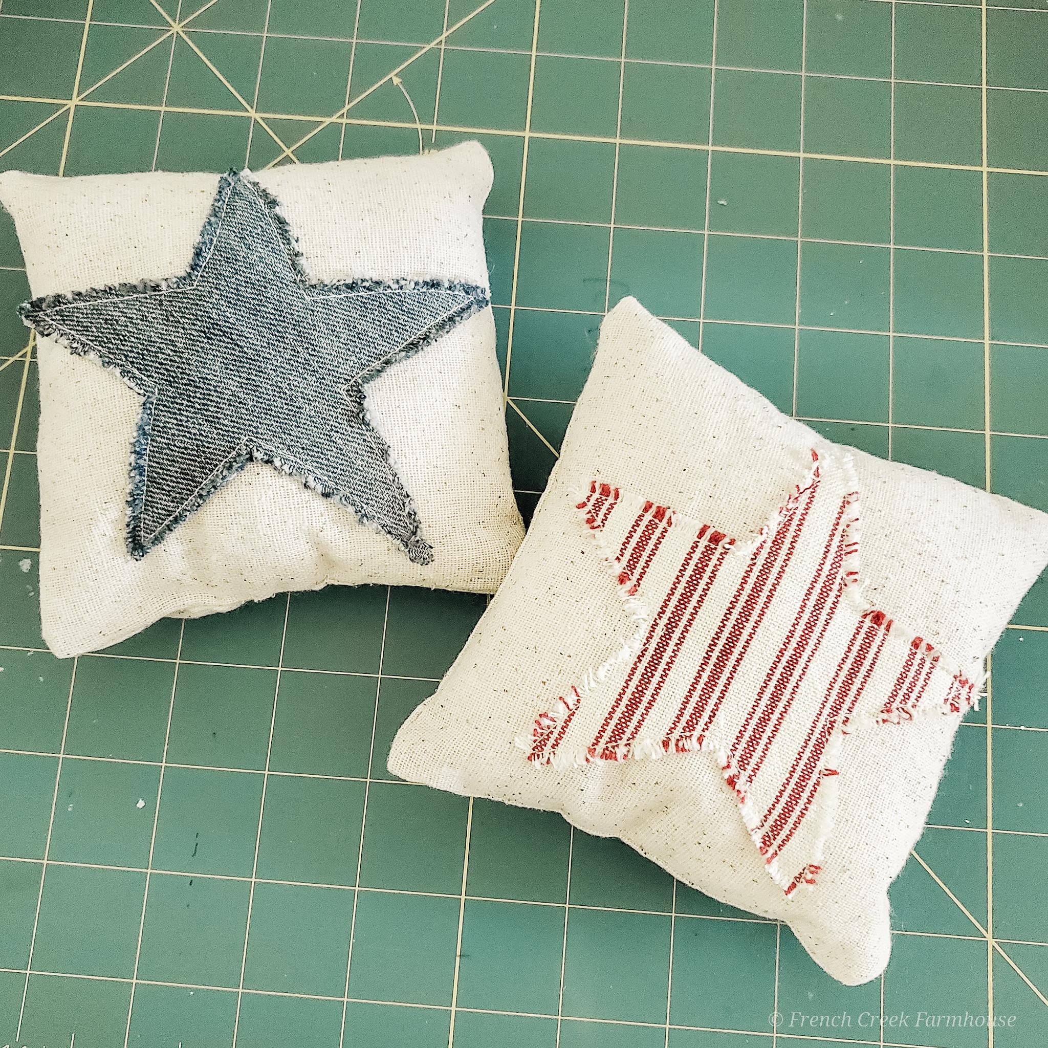 DIY Patriotic Grain Sack Tuck Pillows