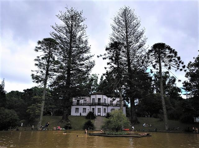 Casa do Parque y Lago Ferruginoso en Furnas (Açores)