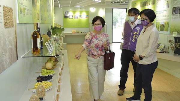 拜訪台中區農業改良場 提供農民農業技術及輔導