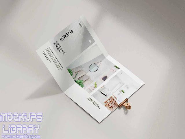 folded brochure mockup 1
