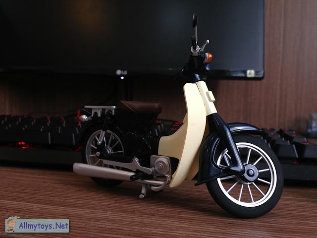 Honda Super Cub Model Toy Bike 4