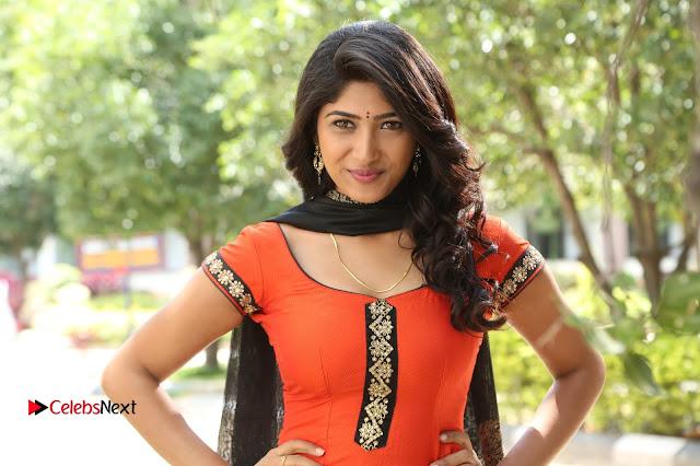 Telugu Actress Roshini Prakash Stills in Saptagiri Express  0013.JPG