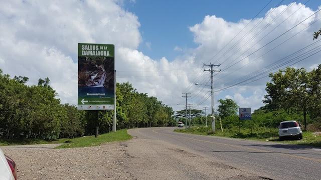 cartel carretera Saltos de Damajagua