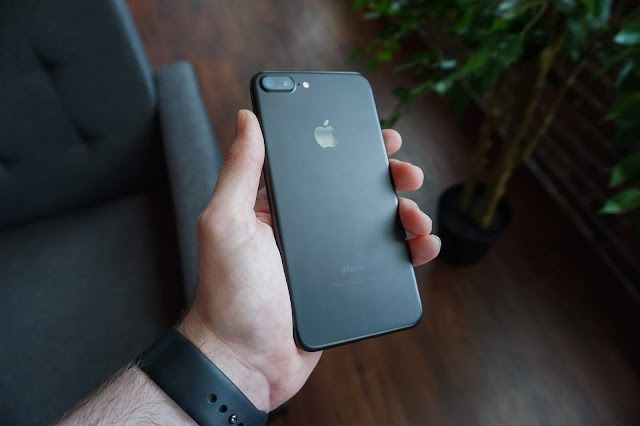 iPhone XR review : best phone