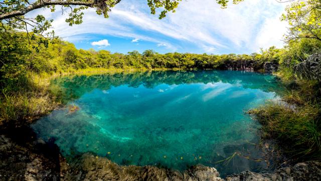 10 Sitios Naturales de Guatemala con agua cristalina Cenote-2-885x500
