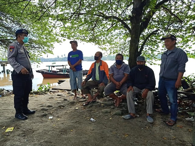 Kasubnit Bimmas Polairud Polres Tanjung Balai Himbau Masyarakat Nelayan Taati Protokol Kesehatan