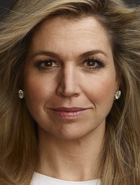 New photos of Queen Maxima, Princess Amalia, Princess Alexia, Princess Ariane. Photographer Erwin Olaf