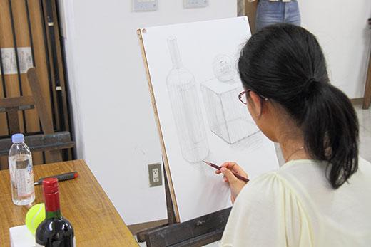 美術クラブ_中学生のデッサン授業風景