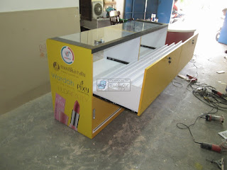 Etalase Display Untuk Toko Kosmetik + Furniture Semarang