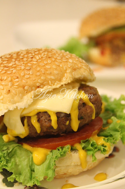 Nur Qaseh Homemade Beef Burger