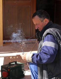 Bekir making a custom super long bolt