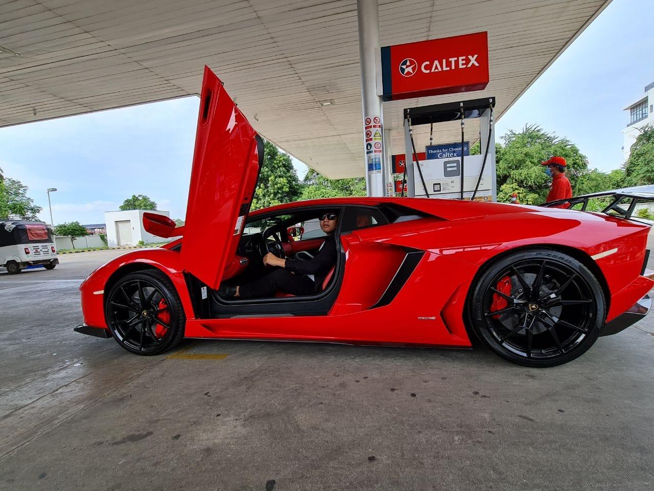 អស់ទាស់! ឧកញ៉ា ឡេង ណាវ៉ាត់ត្រា ទិញឡាន Lamborghini គ្រឿងទី ៣  ក្រហមឆេះស្វាគមន៍ឆ្នាំថ្មី – Popular Magazine