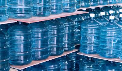 gallon of water weigh usa uk 2019