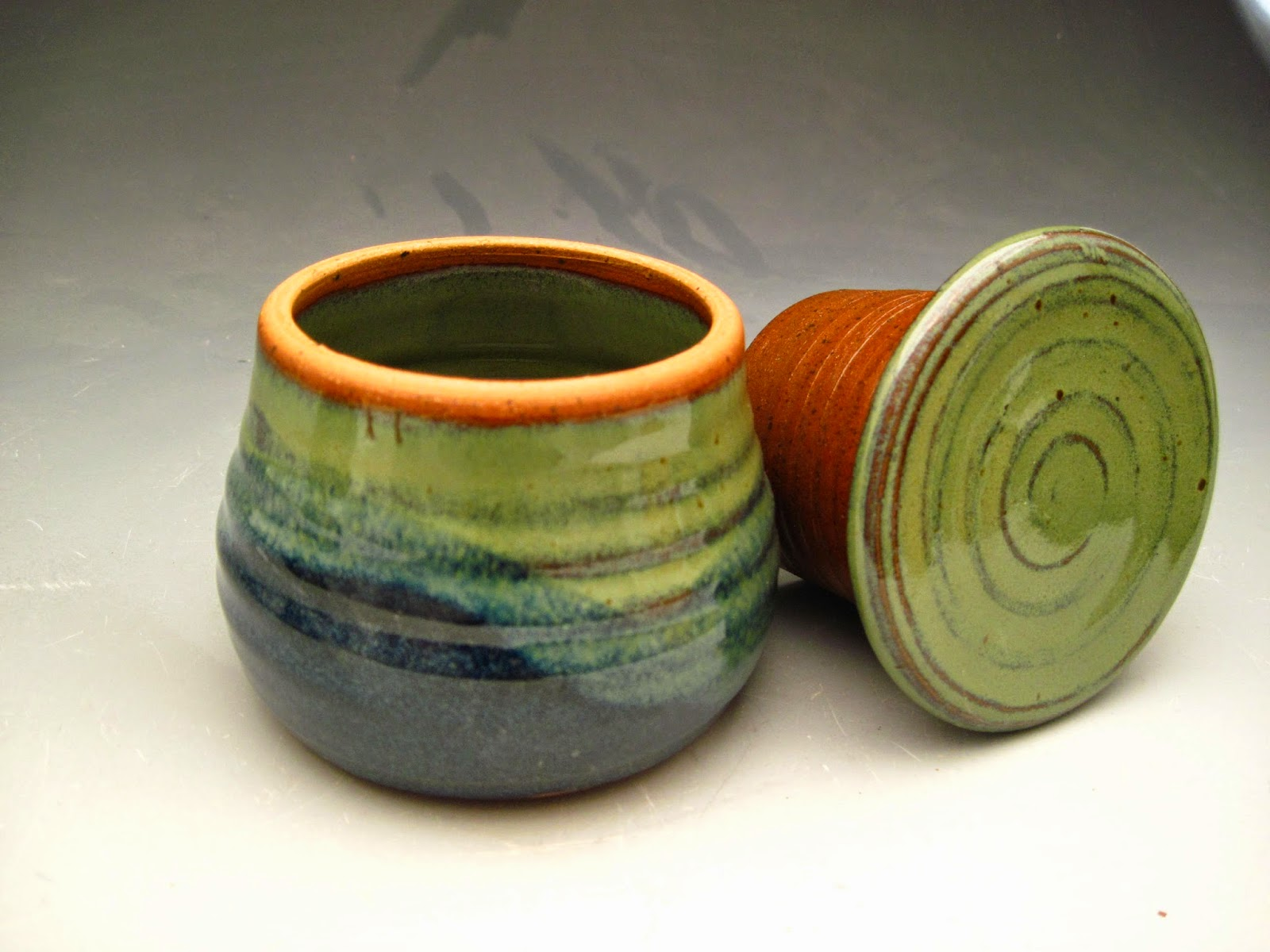 Beckett Pottery Earthy Pot Gallery