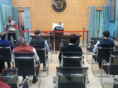 जिलाधिकारी की अध्यक्षता में हुआ जनपद स्तरीय सड़क सुरक्षा समिति की बैठक का आयोजन