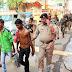 বর্ধমান শহরে আধা সামরিকবাহিনীর রুট মার্চেই ধরা পড়ল ৪ চোলাই কারবারী