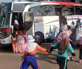 Harga Sewa Bus Pariwisata Jakarta Anyer, Harga Sewa Bus Pariwisata, Harga Sewa Bus Jakarta Anyer
