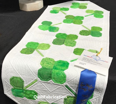 Clover Runner by QuiltFabrication
