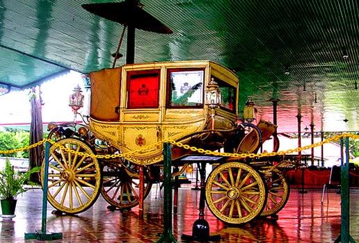 Gambar Alat transportasi kereta kuda kuno