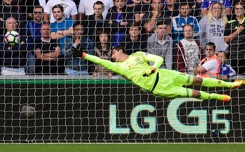 Thibaut Courtois đang thi đấu cực tệ trong màu áo Chelsea.