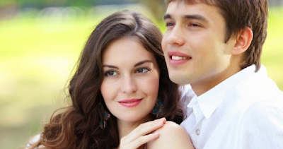 4 Alasan Pria Lebih Tertarik pada Wanita Matang