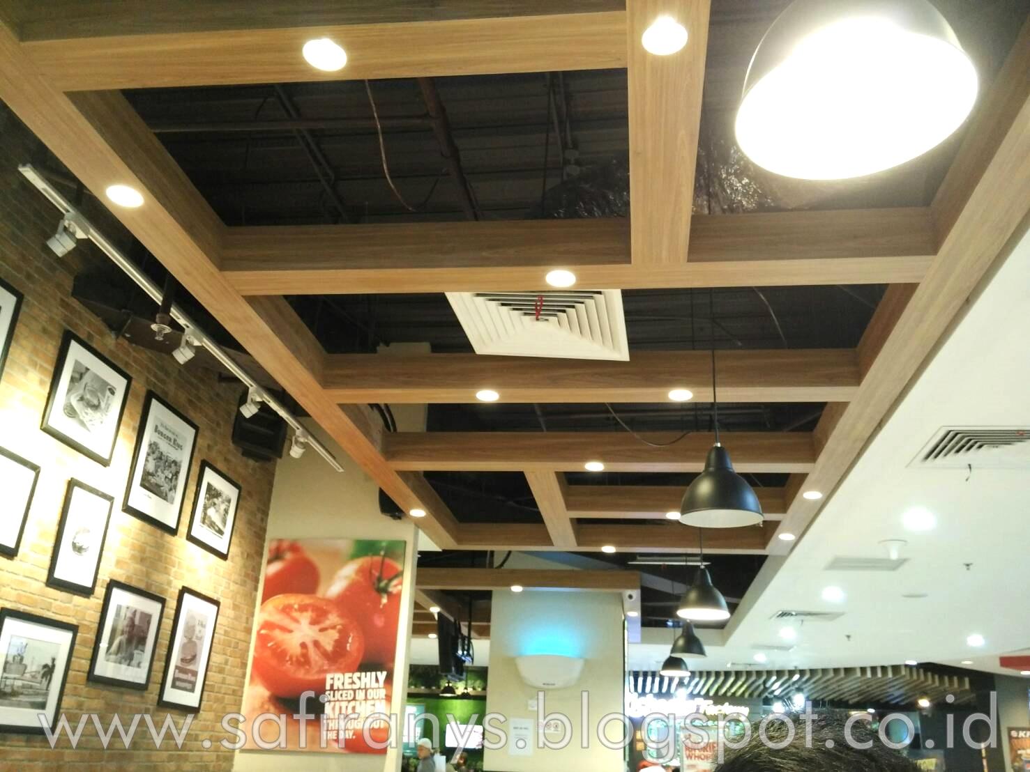 Safira Nys: Burger King BEC (Bandung Electronic Centre