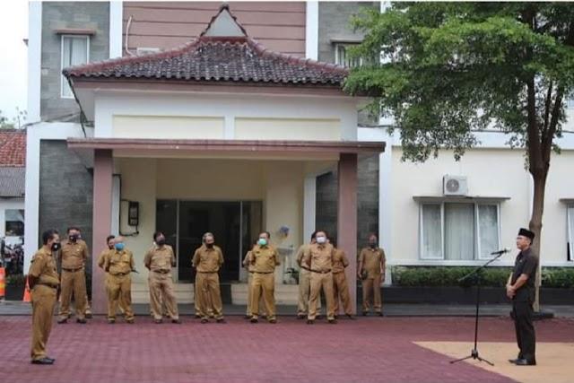 Pjs Bupati Pangandaran Pimpin Apel Pagi Bersama Seluruh Pegawai di Lingkup Setda Pamkab Pangandaran