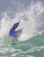 kalani robb traje surf ejecutivo 4