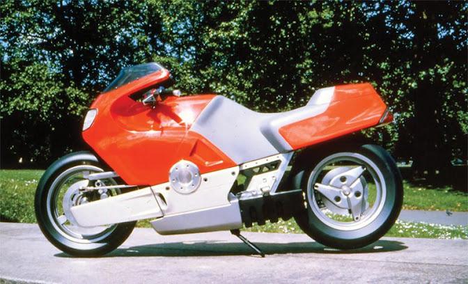1985 Futuristic hub-centre steered concept Yamaha 750 designed by Douglas Barber and Frog Design.