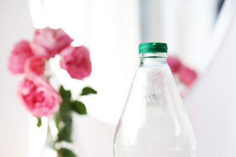 10 najlepszych zastosowań octu w domu oraz pielęgnacji włosów i skóry - czytaj dalej »