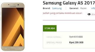 Harga Samsung Galaxy A5 (2017) di Indonesia sudah turun menjadi Rp 4.239.000 di Erafone (update Mei 2018)